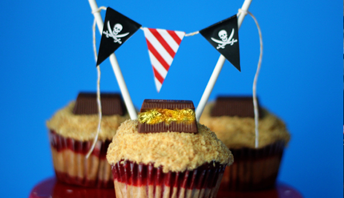 Free Pirate Printable + Layered Cupcake Tutorial
