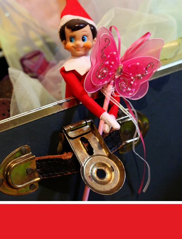 Elf on the Shelf - Playing Dress Up