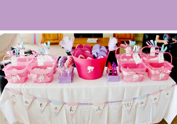 Barbie Party Favor Table