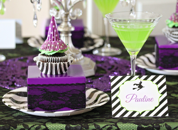 Wicked Halloween Party Table Setting | 505-design.com